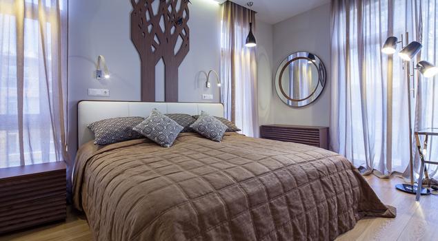 Jak urządzić sypialnię w romantyczny sposób? Nowoczesna sypialnia
