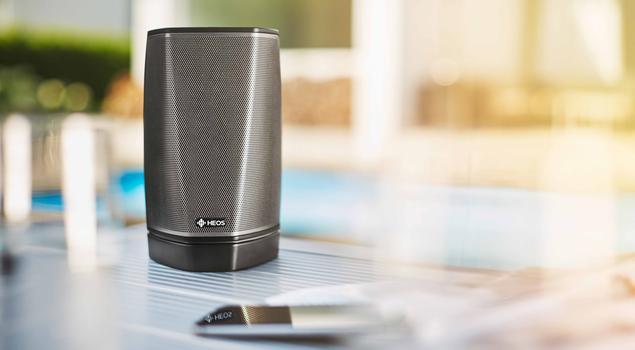 Muzyka z głośników bezprzewodowych w systemie multiroom audio HEOS by Denon